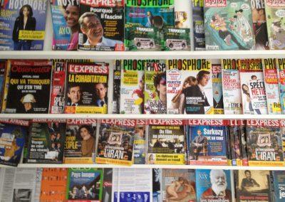 Revistes d'accès lliure a la sala polivalent